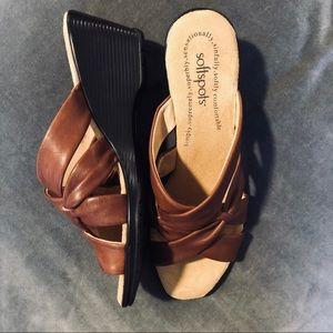 Softspots Leather Upper Wedge Sandal NWOT Size 9.5